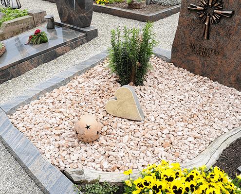 Grabgestaltung Steine Friedhof Oer-Erkenschwick